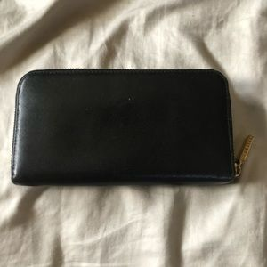 Tory Burch Bags - SOLD- Tory Burch Robinson zip continental wallet